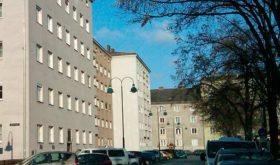 Kantstraße 8